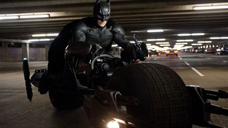 Site suspends comments on 'Dark Knight' movie reviews
