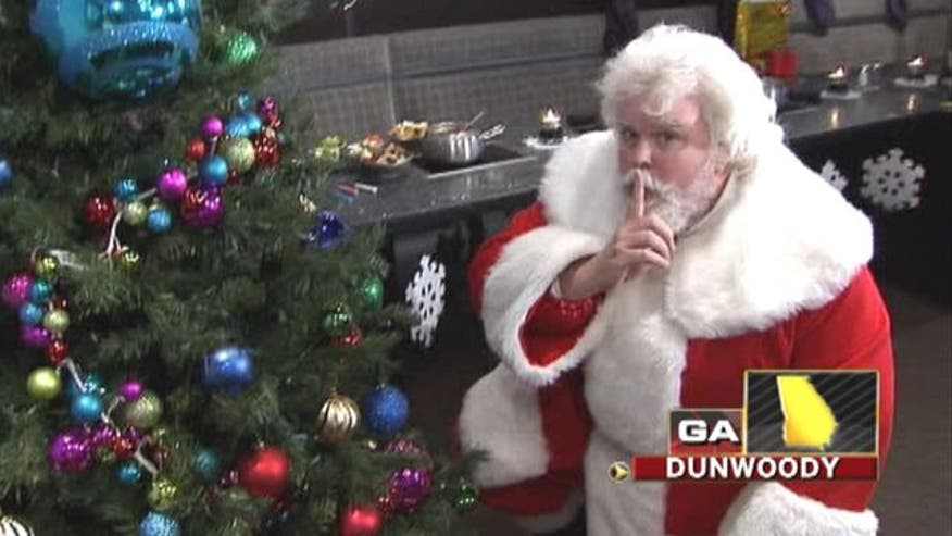 St. Nick impersonator kicked out of park for 'confusing' guests