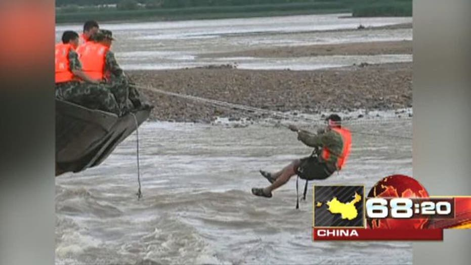 Around the World: Storms cause chaos in China