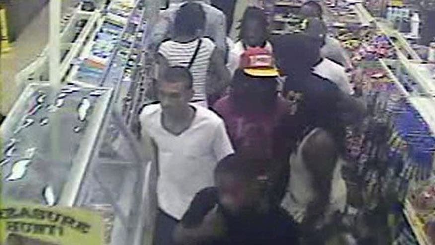Teens steals from convenience store