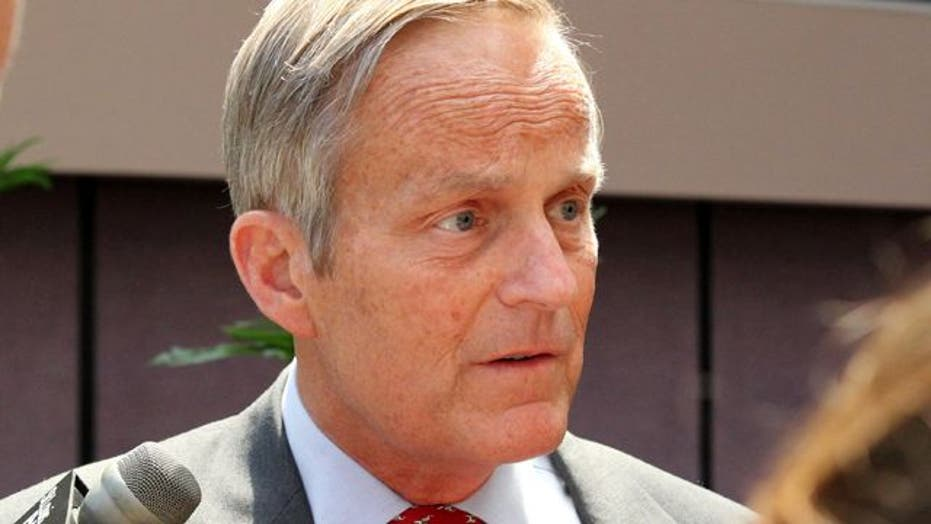 Pressure on Congressman Akin to bow out of Senate race