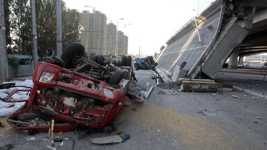 Around the World: Highway overpass topples in China