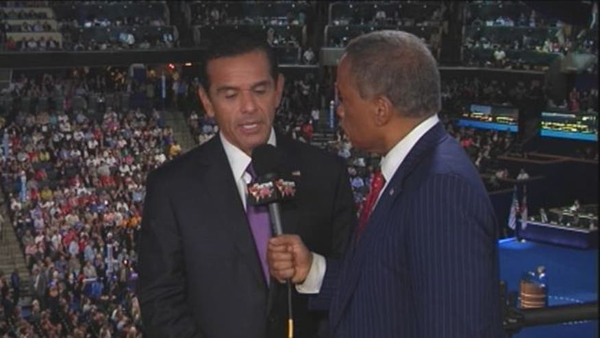 Juan Williams interviews Los Angeles Mayor Antonio Villaraigosa at the Democratic National Convention.