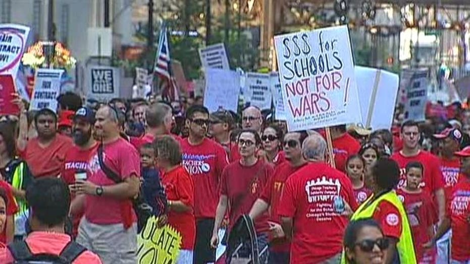 Chicago Teachers Strike for First Time in 25 Years