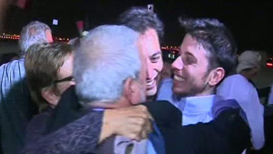 Raw video: Emotional reunion after Shane Bauer and Josh Fattal leave Iran