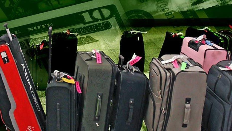 US airlines rack up record profits from baggage fees