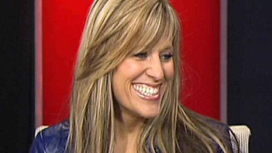 WWE Diva Lilian Garcia helps celebrate Hispanic Heritage Day with the NY Jets