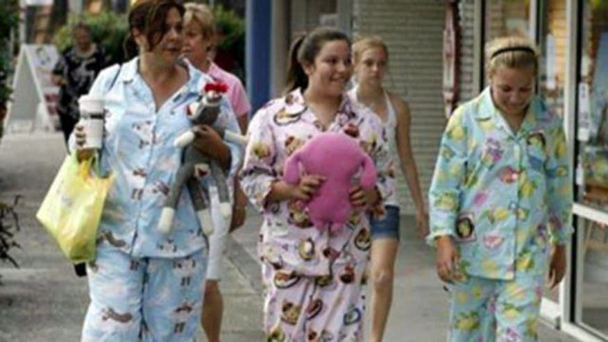 Resolution encourages businesses to prohibit patrons from wearing pajamas
