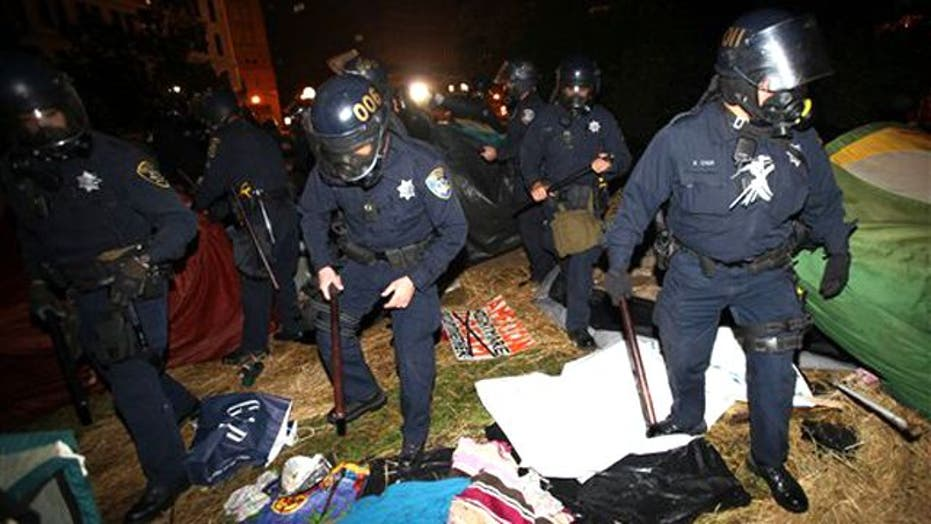 Cops Clamp Down on 'Occupy Oakland' Protesters