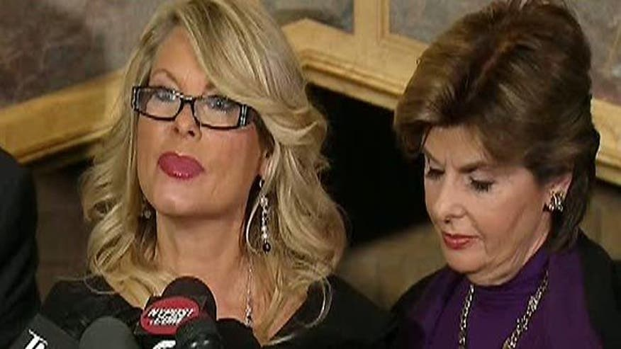 Sharon Bialek details sexual harassment charges at presser with attorney Gloria Allred
