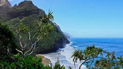 See the wonders of Hawaii's northernmost island in  ...