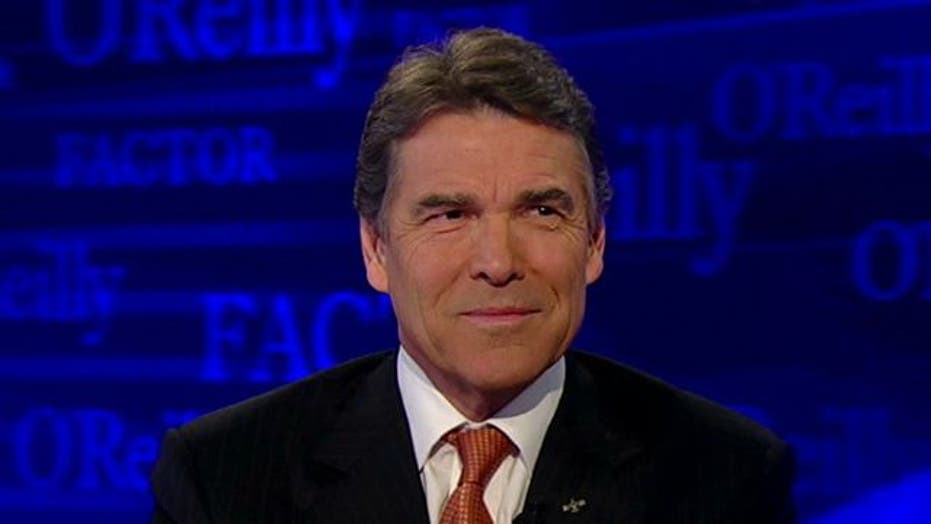 Perry 'Absolutely' Believes Obama Is a Socialist