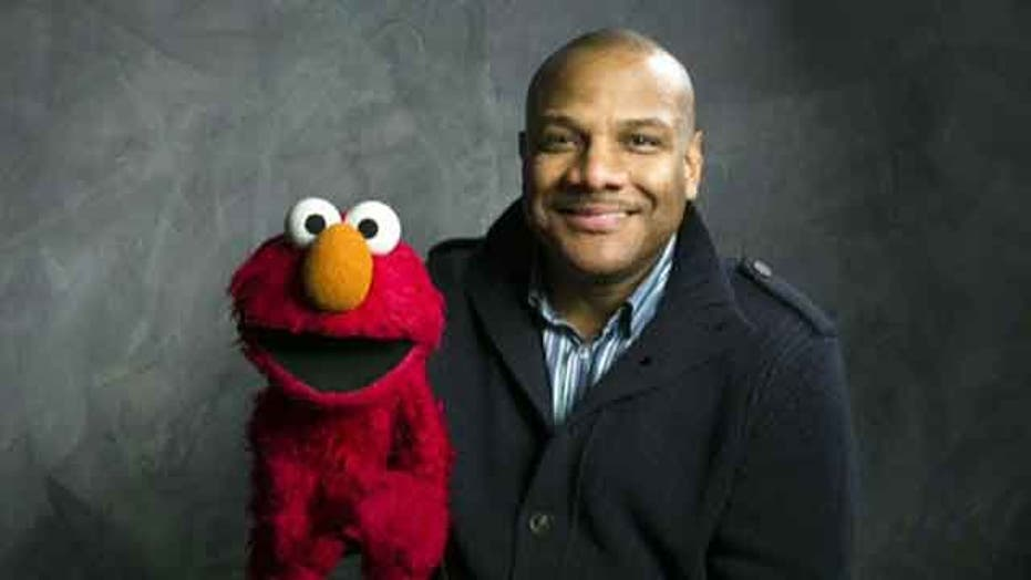 Voice of Elmo resigns from 'Sesame Street'