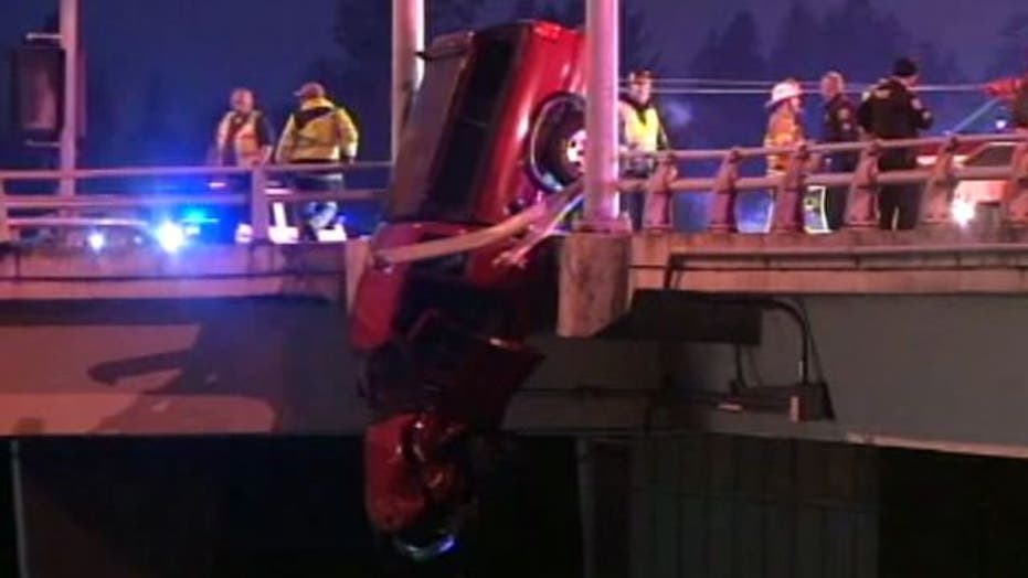 Firefighters rescue Oregon man after dramatic car crash