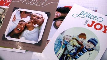 Create personalized Christmas cards on your smartphone