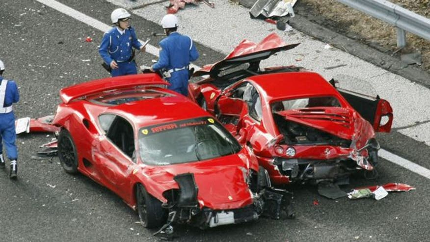 Raw video: 14 cars including Ferraris, Mercedes-Benzes, and a Lamborghini involved in massive pileup with estimated $4 million in damages