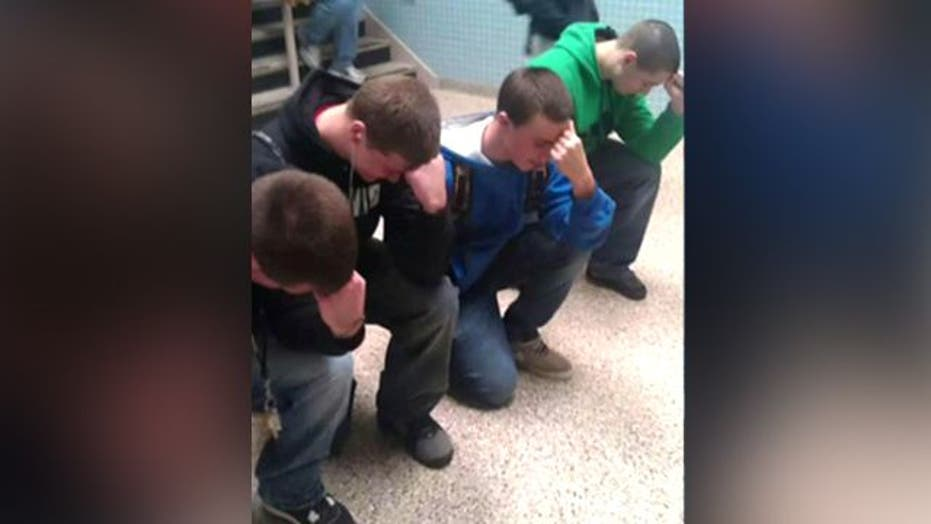 Students Suspended for 'Tebowing' in Hallway