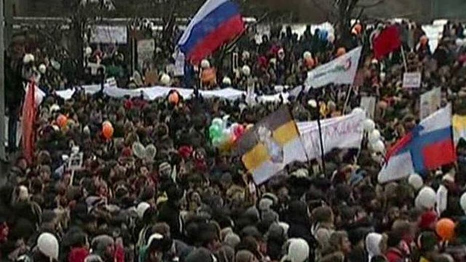 Tens of Thousands Protest Election Fraud in Russia