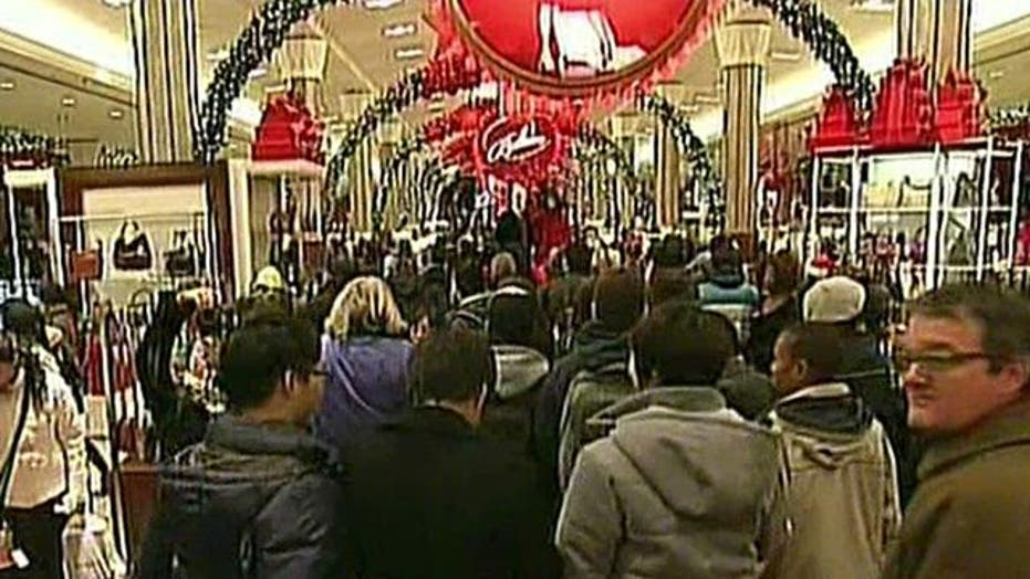 U.S. Stores Swamped With Last-Minute Shoppers